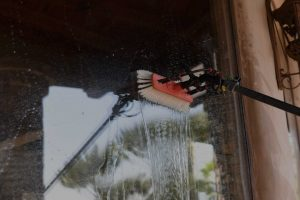 window-cleaning-squeegeeservice